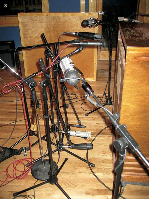 3 mics
