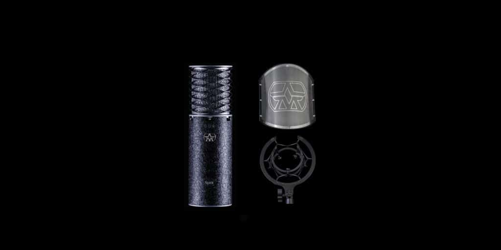 Aston Mics limited edition Spirit Black Bundle