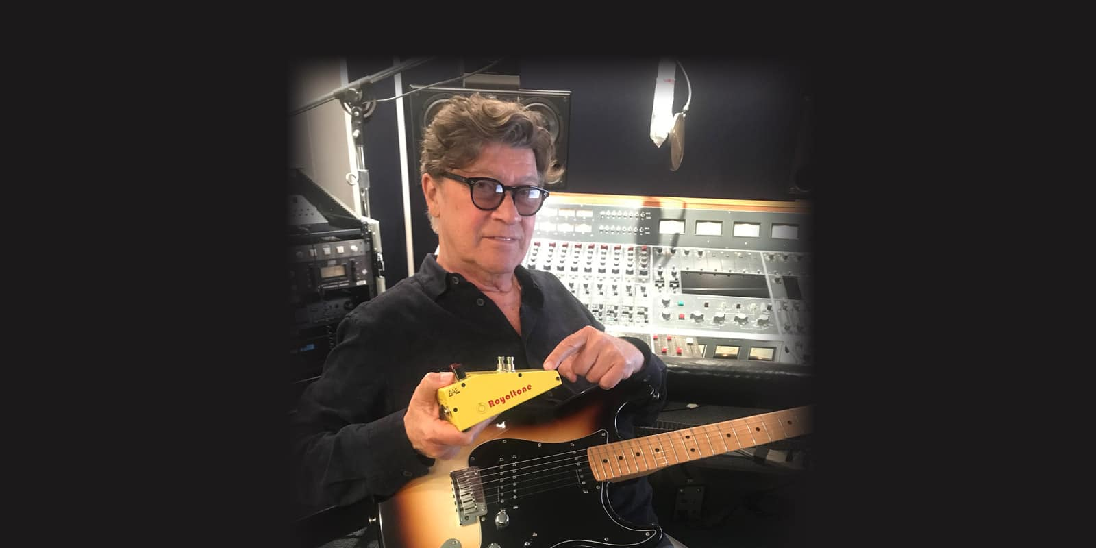 Robbie Robertson's Sinematic combines colorful sonic textures and masterful storytelling